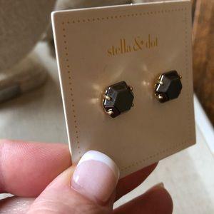 Stella & Dot Jewelry - Gunmetal toned studs